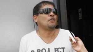 El empresario salsero tanbién el deseó buena suerte a Génesis Tapia. - CarlosGonzales-300x168